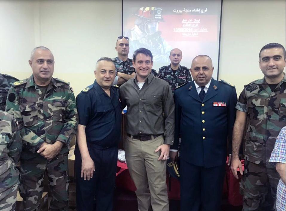 ٢٠بزة لفوج إطفاء بيروت