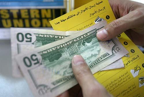 الدولار يقفز إلى 1530 ليرة: منسوب القلق يرتفع