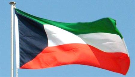 الكويت لرعاياها: غادروا لبنان