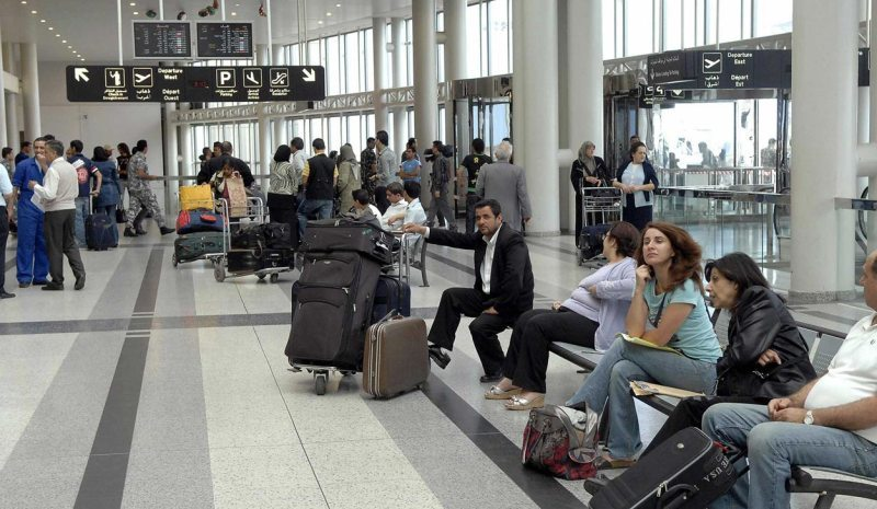 إجراءات أمنية إضافية في المطار.. واعتذار!