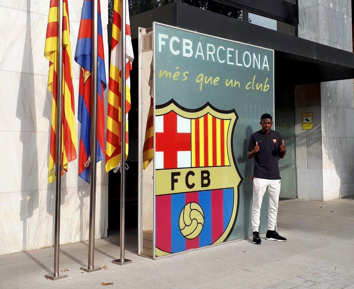 ديمبلي وصل الى برشلونة