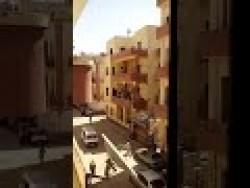 أراد توسعة الصالون فهدم المبنى في مصر