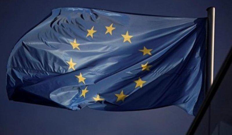 الاتحاد الأوروبي يقرّر تعليق نظام...