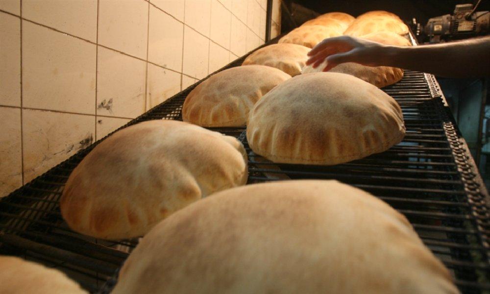 العودة إلى توزيع الخبز على المحال التجارية؟