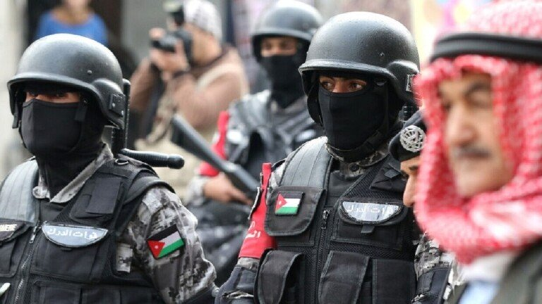 بعد فصله… مواجهات بين الأمن وأنصار النائب