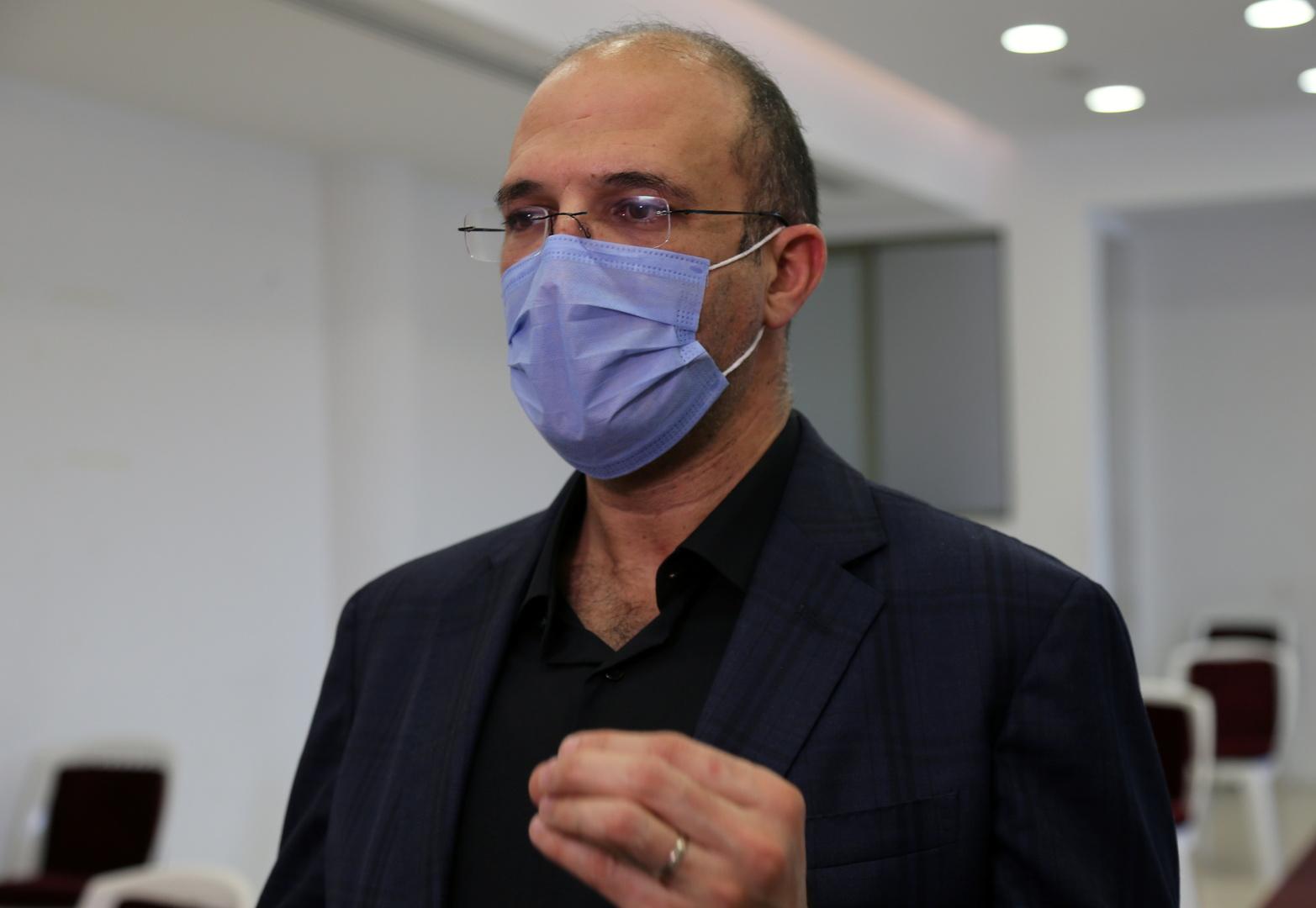 لا داعي للهلع... وزير الصحة يكشف عن وجهه...